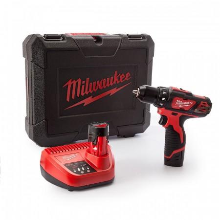 Milwaukee M12BDD 12V skru drillsett levert i koffert (2 x 1.5Ah batterier)