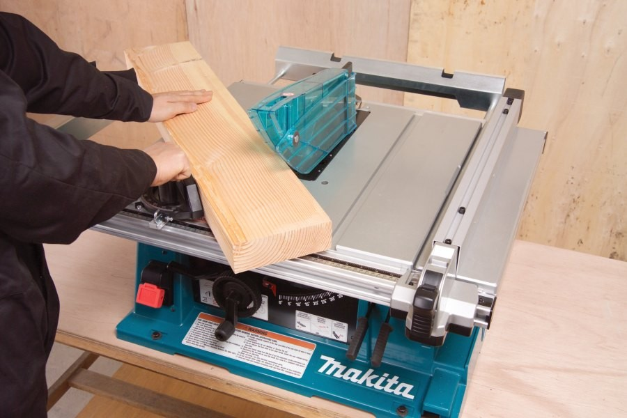 Makita 2704 bordsag + stativ